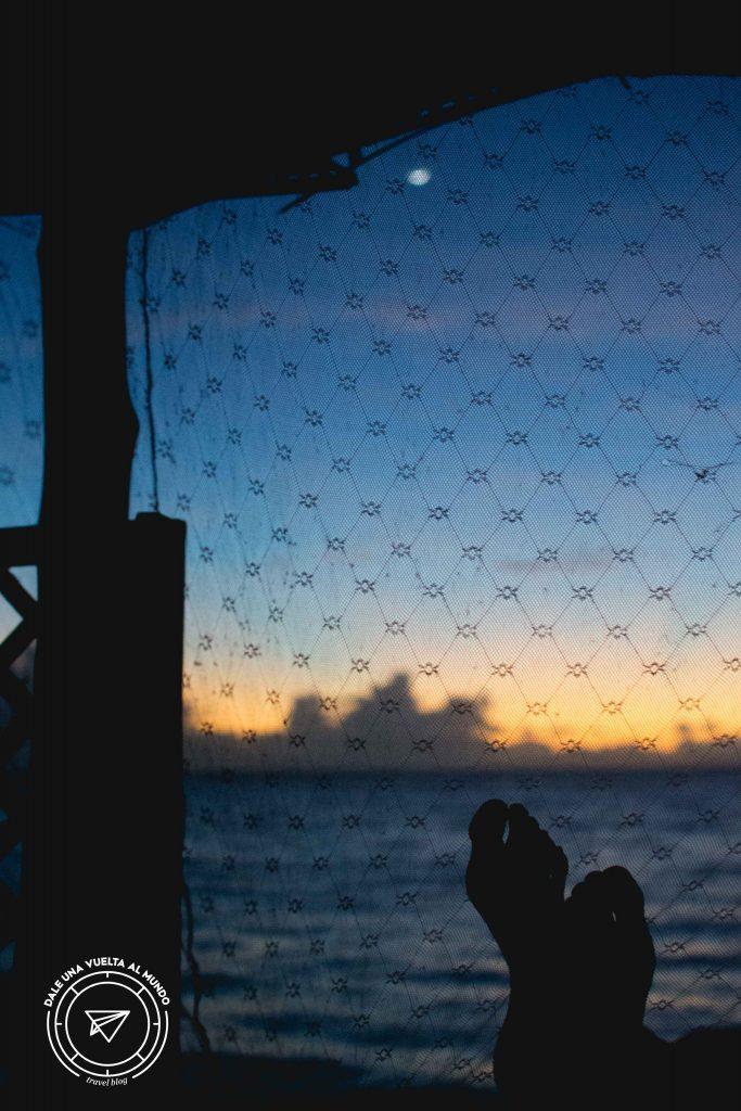 Amaneciendo en mi Fale, Savaii, Samoa